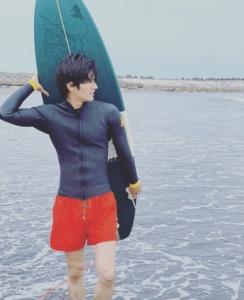 三浦春馬:サーフィン